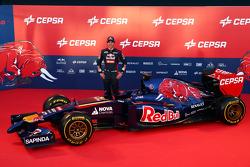 Jean-Eric Vergne con la Scuderia Toro Rosso STR9