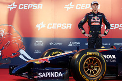 Daniil Kvyat, Scuderia Toro Rosso at the unveiling of the Scuderia Toro Rosso STR9