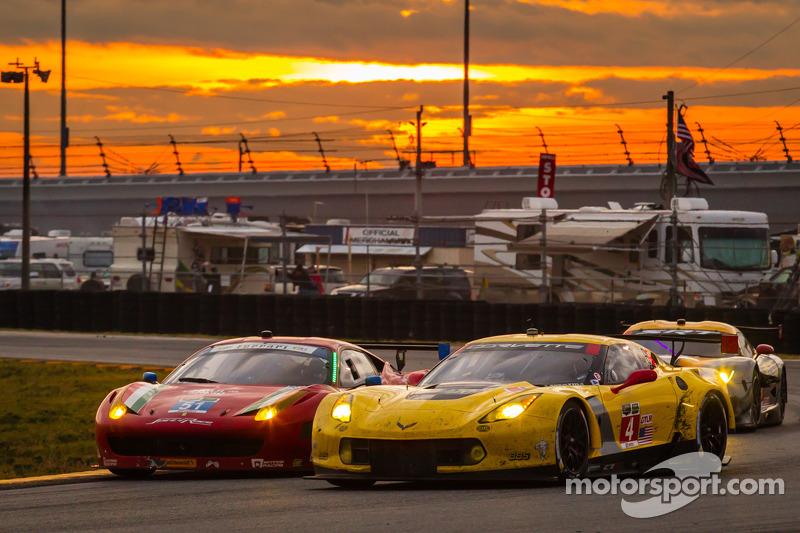 #4 Corvette Racing Chevrolet Corvette C7.R: Oliver Gavin, Tom Milner, Robin Liddell e #51 Spirit of