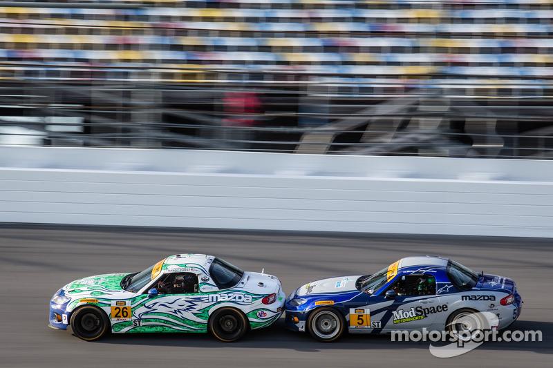 #26 Freedom Autosport Mazda MX-5: Randy Pobst, Andrew Carbonell, #5 CJ Wilson Racing Mazda MX-5: Ste