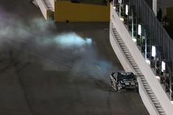 Jimmie Johnson, Hendrick Motorsports Chevrolet crashes