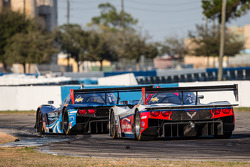 #60 Michael Shank Racing with Curb/Agajanian Riley DP Ford EcoBoost: John Pew, Oswaldo Negri, Justin Wilson, #5 Action Express Racing Corvette DP Chevrolet: Joao Barbosa, Christian Fittipaldi, Sébastien Bourdais