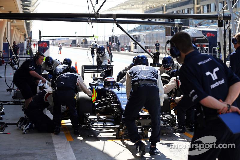 Valtteri Bottas, Williams FW36 prova un pit stop