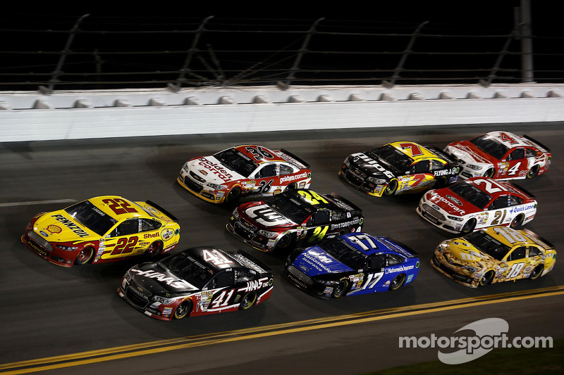 Joey Logano, Penske Ford, Kurt Busch,  Stewart-Haas Racing Chevrolet, Ricky Stenhouse Jr.,Roush Fenway Racing Ford, Jeff Gordon, Hendrick Motorsports Chevrolet, Reed Sorenson, Tommy Baldwin Racing Chevrolet