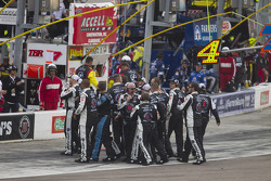 Kevin Harvick, Stewart-Haas Racing Chevrolet's crew celebrates