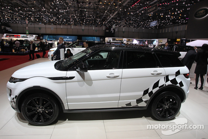 Range Rover Evoque SD At Geneva International Auto Show - Sd car show