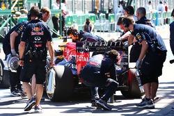 Daniel Ricciardo, Red Bull Racing RB10 pitte