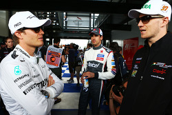 (Da sinistra a destra): Nico Rosberg, Mercedes AMG F1 con Adrian Sutil, Sauber e Nico Hulkenberg, Sahara Force India F1