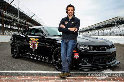 Dario Franchitti pilote le pacecar à l'Indy 500