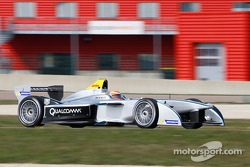 Jarno Trulli tests the Spark-Renault SRT-01E