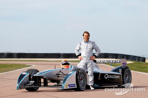 Trulli tests the Spark-Renault SRT_01E