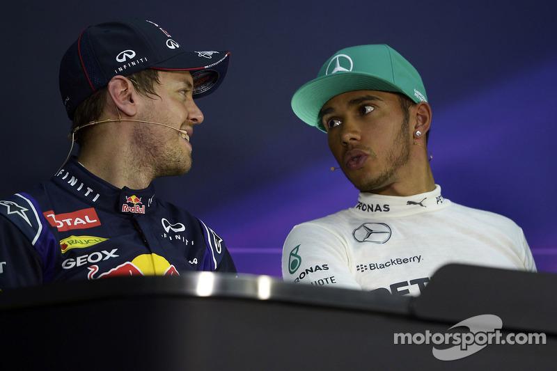 Conferenza stampa della FIA post qualifiche: Sebastian Vettel, Red Bull Racing, secondo; Lewis Hamilton, Mercedes AMG F1, pole position