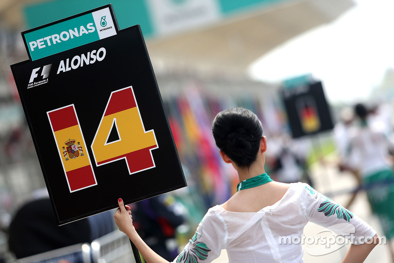 Fernando Alonso , Scuderia Ferrari, grid kızı 30