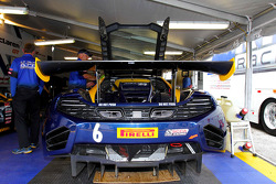 #6 K-PAX Racing McLaren MP4-12C GT3: Robert Thorne