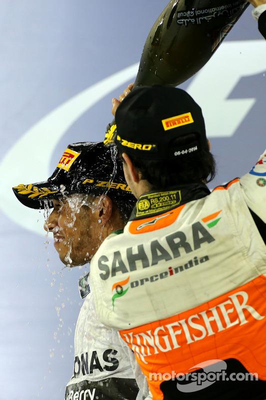 1. Lewis Hamilton, Mercedes AMG F1; 3. Sergio Perez, Sahara Force India F1