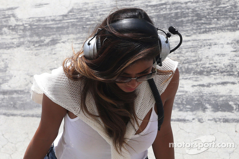 Nicole Scherzinger, cantora e namorada de Lewis Hamilton, Mercedes AMG F1 10