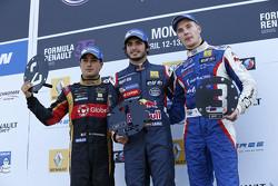 Podium: race winner Carlos Sainz Jr., second place Marlon Stockinger, third place Sergey Sirotkin