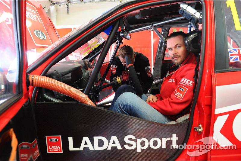 詹姆斯·汤普森, 拉达 Granta 1.6T, 拉达 Sport Lukoil