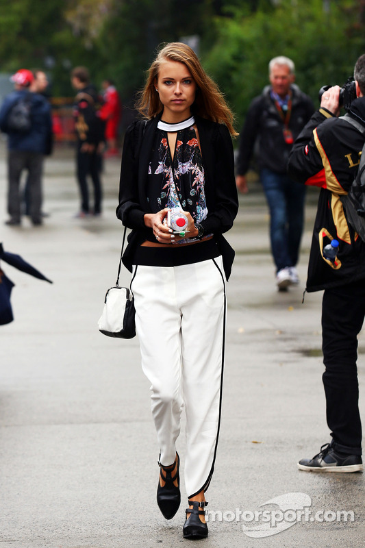 Dasha Kapustina, girlfriend of Fernando Alonso, Ferrari
