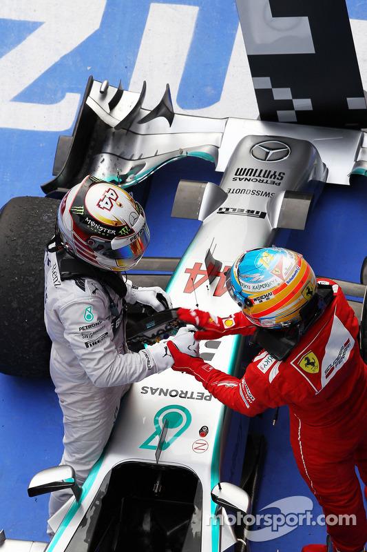 1. Lewis Hamilton, Mercedes AMG F1 W05; 3. Fernando Alonso, Ferrari