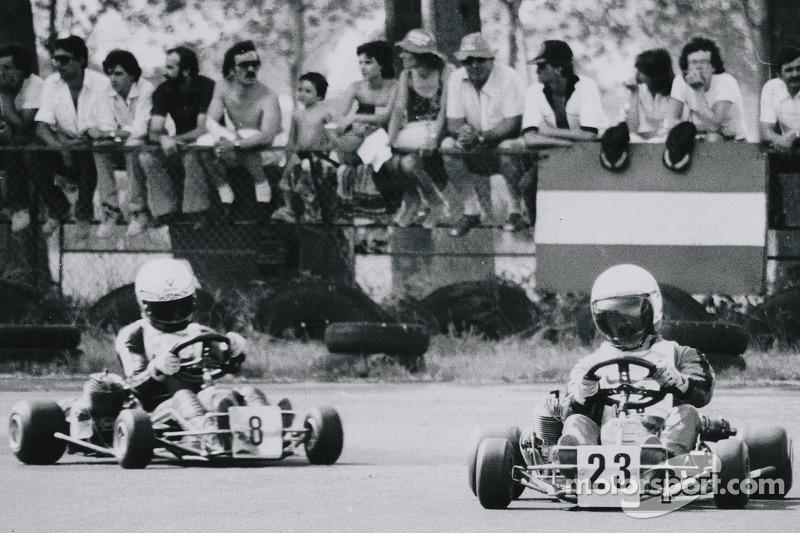Terry Fullerton lidera a Ayrton Senna