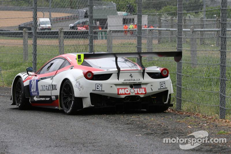 #20 Team Sofrev ASP Ferrari 458 Italia: Jean-Luc Beaubelique, Ludovic Badey com problemas