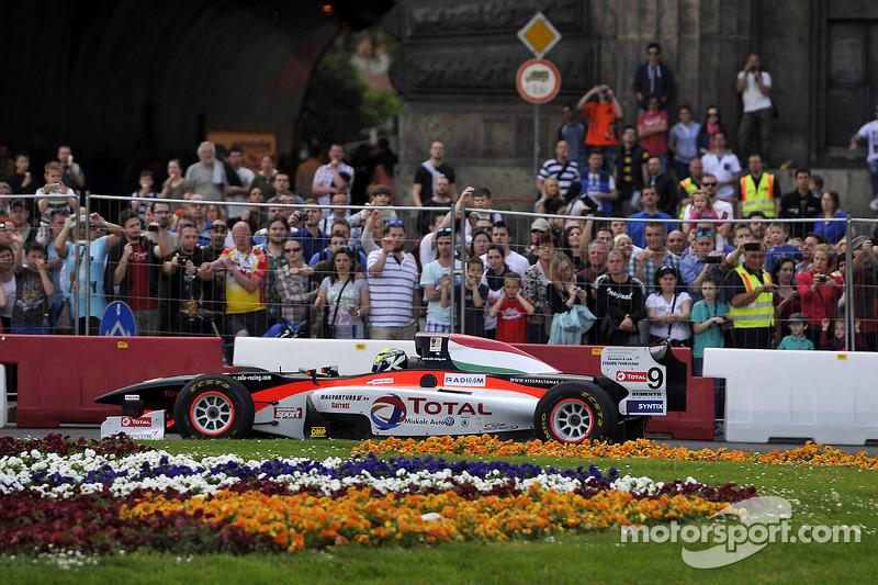 布达佩斯城市路演, 托马斯·帕尔基斯, Zele Racing