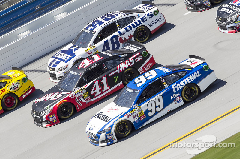 Jimmie Johnson, Kurt Busch e Carl Edwards