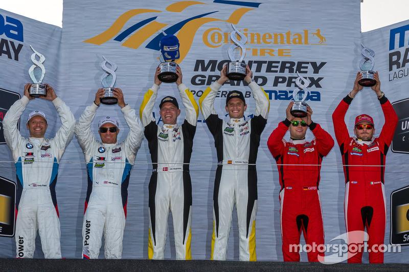 GTLM classe podio: vincitori Jan Magnussen, Antonio Garcia, il secondo posto Bill Auberlen, Andy Pri