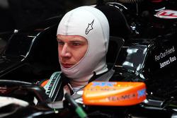 Nico Hulkenberg, Sahara Force India F1 VJM07 carrying a tribute to James Rao