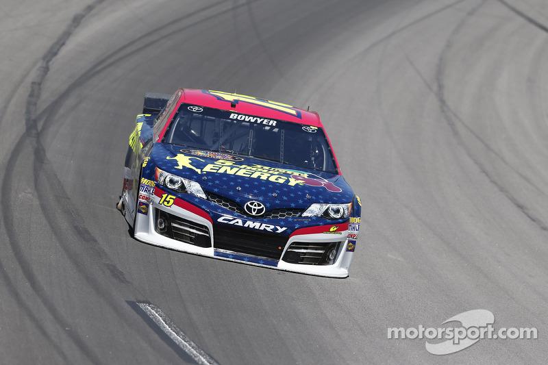 Clint Bowyer, Michael Waltrip Racing Toyota