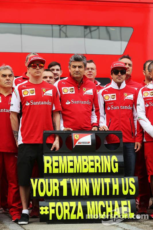 Erinnerung an Michael Schumachers 1. Ferrari-Sieg in Barcelona 1996: Kimi Räikkönen, Ferrari; Marco