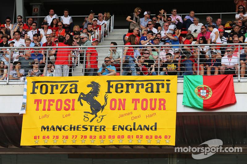 Ferrari logosu
