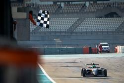 Bandera a cuadros, Caio Collet, SILBERPFEIL Energy Dubai