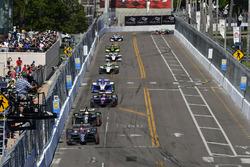 Zach Veach, Andretti Autosport Honda, Spencer Pigot, Ed Carpenter Racing Chevrolet, Jack Harvey, Michael Shank Racing with SPM Honda, Marco Andretti, Herta - Andretti Autosport Honda, start