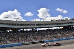 Ryan Blaney, Team Penske, Ford Fusion Devilbiss, Austin Dillon, Richard Childress Racing, Chevrolet Camaro Dow
