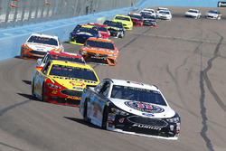 Kevin Harvick, Stewart-Haas Racing, Ford Fusion Jimmy John's e Joey Logano, Team Penske, Ford Fusion Pennzoil