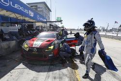 #15 3GT Racing Lexus RCF GT3, GTD: Jack Hawksworth, David Heinemeier Hansson, Sean Rayhall, pit stop