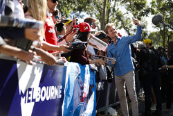 Nico Rosberg takes a selfie for fans