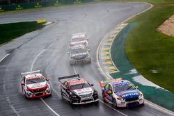Todd Hazelwood, Matt Stone Racing Ford, Simona de Silvestro, Nissan Motorsport Nissan, Garth Tander, Garry Rogers Motorsport Holden