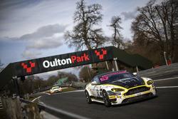 #62 Academy Motorsport Aston Martin V8 Vantage GT4: Will Moore, Matt Nicoll-Jones
