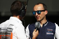 Robert Kubica, Williams Martini Racing, talks to the media