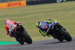 Андреа Довициозо, Ducati Team, и Валентино Росси, Yamaha Factory Racing