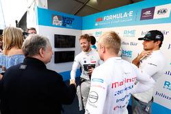 Sam Bird, DS Virgin Racing, shakes Jean Todt, FIA President, hand withFelix Rosenqvist, Mahindra Racing, Nelson Piquet Jr., Jaguar Racing
