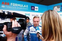 Felix Rosenqvist, Mahindra Racing, talks to TV Presenter Nicki Shields