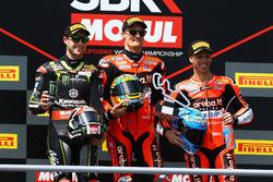 Podium: tweede plaats Jonathan Jonathan Rea, Kawasaki Racing, racewinnaar Chaz Davies, Aruba.it Racing-Ducati SBK Team, derde plaats Marco Melandri, Aruba.it Racing-Ducati SBK Team