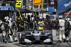 Max Chilton, Carlin Chevrolet, pitstop