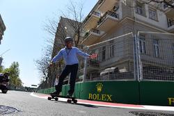 Johnny Herbert, Sky TV on a skateboard