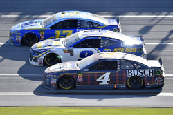 Ricky Stenhouse Jr., Roush Fenway Racing, Ford Fusion Fifth Third Bank, Chase Elliott, Hendrick Motorsports, Chevrolet Camaro NAPA Auto Parts, Kevin Harvick, Stewart-Haas Racing, Ford Fusion Busch Beer Flannel