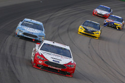 Ryan Blaney, Team Penske, Ford Fusion REV Group e Kevin Harvick, Stewart-Haas Racing, Ford Fusion Busch Light